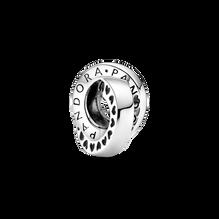 Logo 配心形小串飾